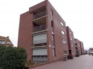 Prachtig gelijkvloers appartement met 2 slaapkamers en terras gelegen in Woonpark De Roshaeg. Het appartement is zeer mooi afgewerkt en de keuken en d