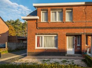 Rustig gelegen halfopen bebouwing in Hulshout op een perceel van 1300m². Mits enkele renovaties biedt deze woning heel wat mogelijkheden. Op het