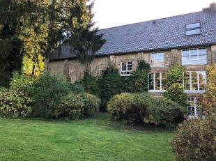 Belle ferme 3 façades située dans un domaine privé idyllique avec plusieurs propriété au milieu des vergers.<br />