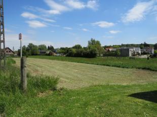 Beau terrain à bâtir de 7,71 ares orienté sud près du centre de Leefdaal, à proximité des commerces, arr&ecir