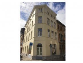 OPBRENGSTEIGENDOM/VERNIEUWBOUW  8 APP<br /> Vernieuwbouwproject van 8 1-slpk.appartementen van +/- 55m²  te Berchem.  Zéér centraal