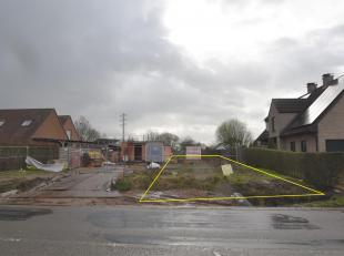 Nieuw te bouwen half-open woning met landelijke ligging en zuidgerichte tuin. De indeling van de woning is als volgt: Gelijkvloers: Op het gelijkvloer