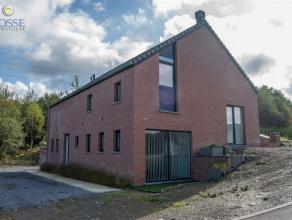 Villa située à Barvaux et composée comme suit: Rez-de- chaussée: 1 salle de douche, 1 chambre, cuisine, salle à man