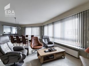 Bent u op zoek naar een instapklaar en zonnig appartement met erg kwalitatieve afwerkingsgraden ? Zie hier het hoekappartement met 3 slaapkamers op de