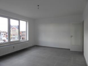 Goed gelegen, opgefrist appartement met 1 slaapkamer. Indeling:Het appartement bevindt zich op de 2de verdieping (zonder lift) en bestaat uit een inko