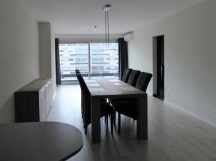 Bent u op zoek naar een instapklaar appartement met veel ruimte en comfort? Dan is dit recent volledig vernieuwd appartement precies wat u zoekt! Inde