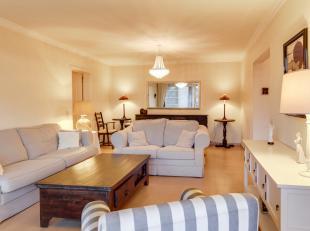 Bent u op zoek naar een leuk volledig bemeubeld én instapklaar appartement? Dan is dit appartement met 2 slaapkamers en autostaanplaats ideaal