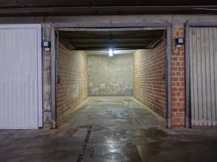 Garage à vendre                     à 2100 Deurne