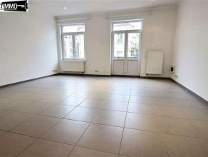 Au 1er étage d'une petite copropriété, appartement 2 chambres de 60 m² en très bon état - Living de 30 m²