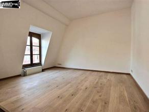 Dans une rue calme, à proximité de la Place Colignon, bel appartement 1 chambre possibilité 2 sous mansarde de 60 m² - Hall