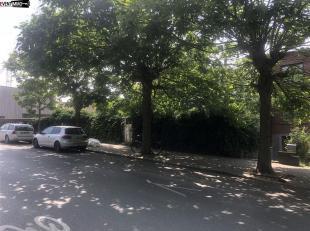 A l'angle de la rue Emile Delva et de la rue du Gaz - Terrain de 2 ares 60 ca - Possibilité de construire un immeuble à appartements ou