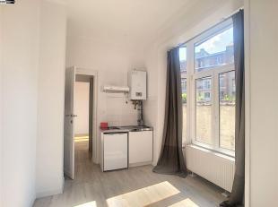 Flat/Studio  meublé de 38m² au rez-de-chaussée - Salon/sam /cuisine de 16 m² - hall de 8M2 Salle de douche - wc- Chambre 10M2
