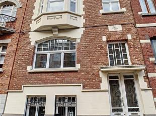 Dans un petit immeuble de 3 unités du quartier Chazal, beau duplex 3 chambres de 160 m² entièrement rénové avec jardi