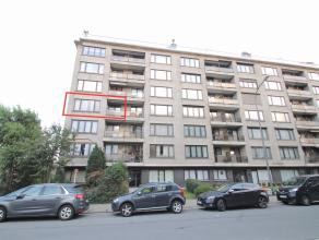 Goed gelegen ruim instapklaar appartement met 2 terrassen en mogelijkheid tot bijhuren garage.<br /> De grote bewoonbare oppervlakte (124m²), de