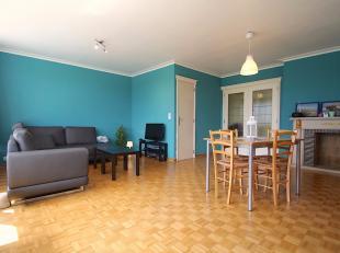 Zoekt u een gunstig gelegen en ruim hoekappartement met kelderberging in Sint-Niklaas? Gevonden! Dit ruim appartement met momenteel 2 slaapkamers bied