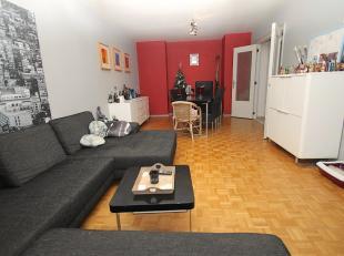 Ben je op zoek naar een appartement dat goed gelegen is net buiten het centrum van Sint-Niklaas? Gevonden! De vlotte bereikbaarheid van E17, N70, Waas