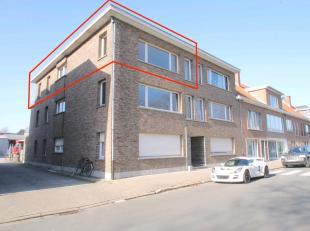 Uitstekend gelegen instapklaar appartement met veel lichtinval aan de stadsrand van Sint-Niklaas. De goede ligging nabij openbaar vervoer en verbindin