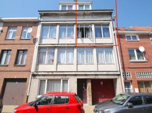 Appartement met 2 slaapkamers in het centrum van Sint-Niklaas.De centrale ligging, de 2 slaapkamers, de EPC-score (226kWh/m²) en onmiddellijke be