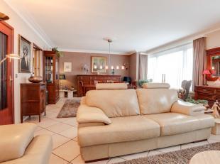 Op zoek naar een volledig instapklaar en centraal gelegen appartement met 3 slaapkamers en terras? Gevonden! De conform gekeurde elektriciteit, goede