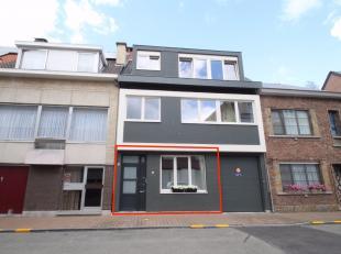 Volledig gerenoveerd 2-slaapkamer appartement op een uitstekende locatie te Sint-Niklaas met garage en stadstuin.De nieuwe keuken en badkamer, het nie