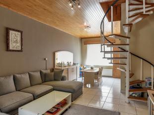 Op zoek naar een instapklare woning in het centrum van Sint-Niklaas? Gevonden!De gezellige woonkamer met vloerverwarming, de ruime keuken met lichtkoe