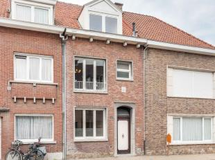 Zoek je een centraal gelegen woning met zonnige tuin en mogelijkheid tot 4 slaapkamers in Sint-Niklaas? Lees dan snel verder.De zuidwest-georiënt