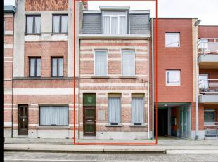Zoek je een goed gelegen, ruime woning in het centrum van Sint-Niklaas? Lees dan snel even verder.De centrale ligging nabij de markt, scholen en winke
