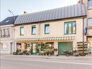 Zoek je een perfect gelegen, instapklare en ruime woning met handelsruimte in Berlare? Lees dan snel even verder.De gunstige ligging nabij het Sint-An