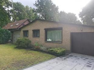 Gezellige woning met 2 à 3 slaapkamers, garage en grote tuin in groene omgeving.<br /> Indeling;<br /> Gezellige leefruimte met open keuken, 2