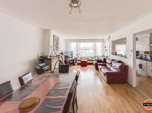 Centraal gelegen instapklaar appartement op de 3e verdieping - circa 80 m2 - 2 slaapkamers - nabij winkels & openbaar vervoer.  Plannen, foto's en