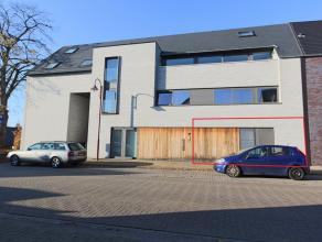 Gezellig gelijkvloers appartement met leuke tuin!<br /> Goede ligging tov E313 en Westerlo.<br /> De indeling is als volgt:<br /> Inkom met apart toil