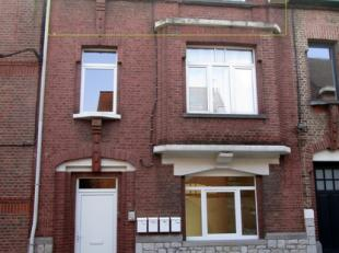 Appartement une chambre sis au second étage de l'immeuble.Situé à proximité du centre de Namur avec accès directe a
