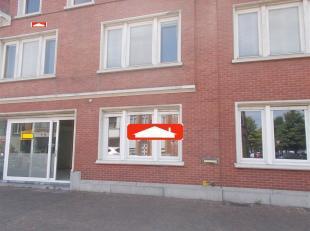 Handelsgelijkvloers - centrum Menen - geschikt voor diverse activiteiten (oa burelen, detailhandel, ...), euro 1250,00/m - grondlasten inbegrepen