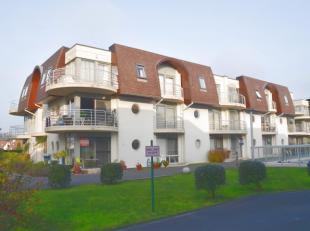 Instapklaar, gezellig en gemeubeld gelijkvloers appartementop wandelafstand van zee en strand te Bredene.Zeer rustig gelegen nabij een natuurgebied.Om