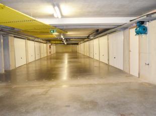 """Diverse gesloten garageboxen in een afgesloten garagecomplex te Bredenein de Residentie """"Odyssea"""" op wandelafstand van Duinen en strand.Garage nummers"""