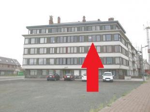 Vernieuwd appartement<br /> Open zicht - 3°V<br /> woonkamer - aparte nieuwe keuken<br /> 2 kamers - ondergrondse autostaanplaats<br /> kelderberg