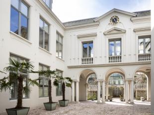Uniek kantoorgebouw met een totale oppervlakte van maar liefst ca 1.500 m². Het pand in classicerende barokstijl springt meteen in het oog op de