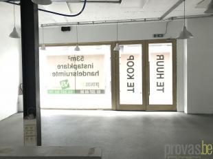 """Uiterst interessant gelegen commerciële ruimte van ca 53 m² in de kleinschalige realisatie """"Cleijne Molensteen"""", gelegen in de Korte Nieuwst"""