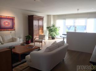 Instapklaar enstijlvolappartement van ca 102 m² op een super centrale locatie op het Zuid. Het appartement is ideaal gelegen in de rustige Gijzel