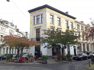 Stijlvol appartement van ca 86 m² in de gezellige Walvisstraat. Deze locatie in de hippe wijk Zurenborg is absoluut optimaal. Met de Plantin en M