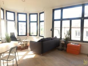 Uitzonderlijk en volledig gerenoveerd appartement van ca70 m² op een super centrale en leuke locatie in Antwerpen. Het appartement is gelegen op
