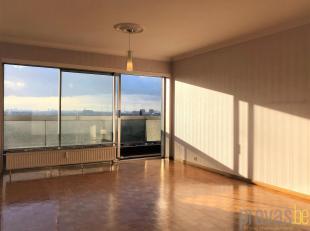 Op te frissen appartement op zeer centrale locatie in Merksem, in een doodlopende zijstraat van de Bredabaan. Bovendien op wandelafstand van het Fort