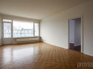 Licht appartement van ca 92 m² op een werkelijke topligging met zicht op de Schelde. Bovendien op wandelafstand van het Nieuw Zuid, de Gedempte Z