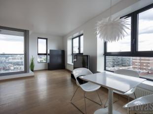 """Dit stijlvolle en volledig gemeubelde appartement van ca 88 m² bevindt zich op de 9e verdieping van de """"London Tower"""", een luxueus design gebouw"""