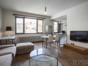 Dit appartement van ca62 m² in de Arenbergstraat is uiterst centraal gelegen.<br /> Pal in het shoppinghart van de stad, vlakbij de Huidevetterss