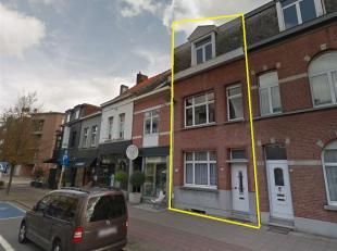 Het gebouw is gelegen in het centrum van Brasschaat, vlot bereikbaar met het openbaar vervoer en met parkeerplaats voor de deur.<br /> Grote troef is