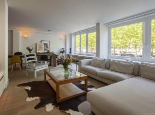 Riant en uiterst luxueus appartement van ca 240 m², met vier slaapkamers, met prachtig dakterras op de eerste verdieping, gelegen aan de statige