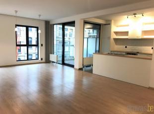 Aangenaam en licht appartement van ca 85 m² op de derde verdieping in residentie I-LO op Het Eilandje. Het appartement bevindt zich op een toploc