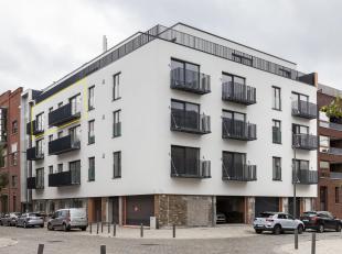 Deze nieuwbouwrealisatie bevindt zich op de hoek van de Indiëstraat en de Napelsstraat op het Eilandje, een toplocatie, temidden van de nieuwe Ca