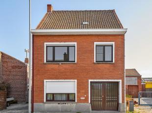 Deze woning ligt op een centrale ligging met magazijnruimte van +/- 110m². Door de praktische indeling biedt deze woning veel potentieel. Ideaal
